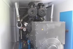 Вид сбоку дизельного генератора в контейнере АД-512С-Е400-2РНМ