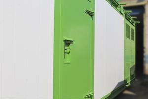 Металлическая дверь контейнера для трансформаторных станций