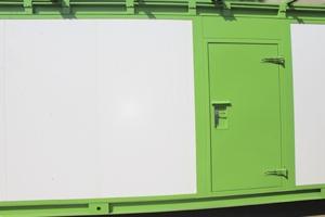 Фотография двери контейнера для трансформаторных станций