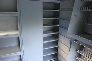 Фото металлических полок контейнера КХО