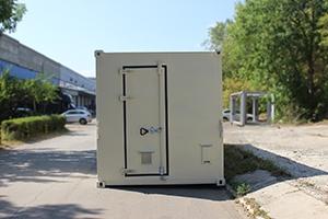Фото металлического контейнера вид спереди
