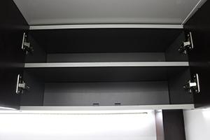 Фото полок кухонного шкафа в открытом виде
